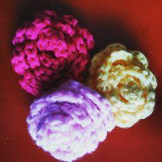 """""""#conmismanos #manualidades #ganchillo #crochet #broches"""""""