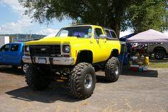 Chevy K5 Blazer Ford Pickup Trucks, Gm Trucks, Chevrolet Trucks, Lifted Trucks, Vintage Chevy Trucks, Classic Chevy Trucks, Chevy 4x4, Chevrolet Blazer, K5 Blazer