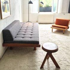banquette canapé lit day bed GODOT Pierre CHAPO de 1970 50 en orme seltz Plus Furniture, Bed Decor, Sofa Furniture, Sofa Design, Luxurious Bedrooms, House Beds, Furniture Inspiration, Diy Sofa, Furniture Design