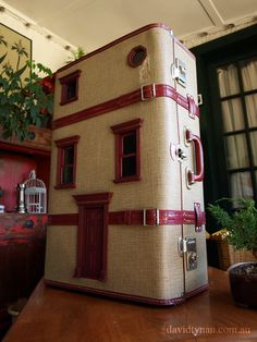 Our very first Suitcase Dollhouse! www.suitcasedollhouse.com I LOVE THIS!!