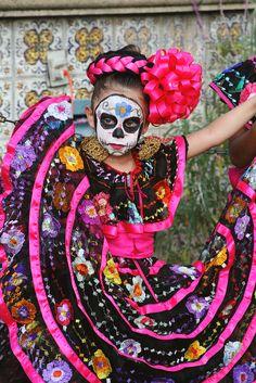 El Día de los Muertos - Calle Olvera, Los Angeles
