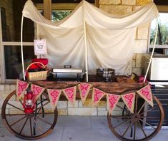 Cowboy Party Ideas: How to throw a Western-themed Party. Why not throw him a Cowboy themed party? I'm sharing some fun cowboy party ideas and wild west party inspiration. Rodeo Party, Cowboy Theme Party, Western Themed Parties, Country Western Parties, Farm Party, Wild West Party, Wild West Theme, Wild Wild West, Wild West Decorations