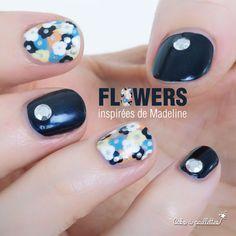 Un nail art trop canon copité sur Madeline #maddogmanicures sur IG et mon look qui va avec sur le blog  http://cakoapaillettes.fr/blog/flowers-and-studs/