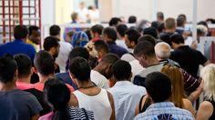 Einwanderung: Zahl der Flüchtlinge aus Nordafrika sinkt deutlich |ZEIT ONLINE