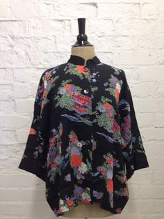 kimono blouse of 100% washable  rayon viscose in L/XL www.loco-lindo.com