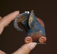 Ароматизированные куклы - tanajpapirmaches Jimdo-Page! Fabric Toys, Fabric Art, Fabric Crafts, Sewing Crafts, Sewing Projects, Paperclay, Waldorf Dolls, Animal Sculptures, Soft Sculpture