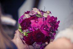 herrlich herbstlicher brautstrauß / fabulous fall bridal bouquet #autumn #wedding #bride #purple #flowers #bridalbouquet #bridal #bouquet #herbst #hochzeit #lila #brautstrauß #braut #blumen #eventkomponisten