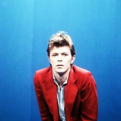 David Bowie - Love Will Tear Us Apart (Joy Division cover)