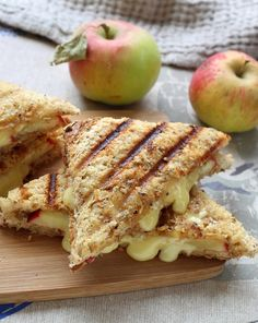 Croque-monsieur pomme et camembert - Recipes Gourmet Recipes, Cooking Recipes, Healthy Recipes, Fall Recipes, Food Porn, Little Lunch, Healthy Sandwiches, Food Inspiration, Love Food