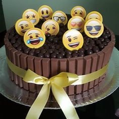 Festa Emoji – Como Fazer com 60 Ideias Fantásticas de Decoração! 10th Birthday Parties, Birthday Party Decorations, Birthday Cake, Birthday Smiley, Diani Beach, Baby Party, Fathers Day Gifts, My Recipes, Cupcake