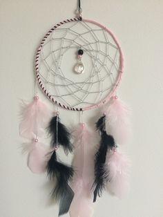 Attrape-rêves rose et noir, goutte transparente : Chambre d'enfant, de bébé par machin-choses