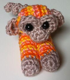 MieksCreaties ... Sweet tiny monkey. This pattern is free, language: Dutch