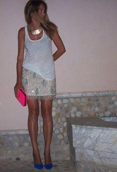 http://siguensiendodiosas.blogspot.com.es/2013/07/por-fin-viernes-con-falda-joya.html