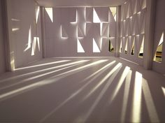 Here we see the experimentation of a facade and the light exposure the room receives. This light exposure and room affect of we as humans act and think. Shadow Architecture, Study Architecture, Light Architecture, Interior Architecture, Light Study, Modern Lighting Design, Arch Model, Roof Light, Environment Design