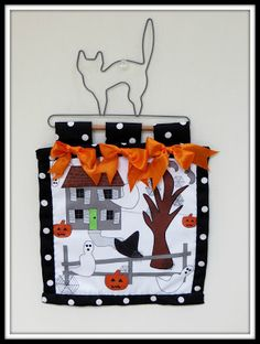 The Best Free Crafts Articles: Halloween Haunted House Mini Quilt Free E-Pattern by Linda Walsh of Linda Walsh Originals Quilted Coasters, Fall Quilts, Halloween Haunted Houses, Love Is Free, Mini Quilts, Craft Tutorials, Favorite Holiday, Custom Fabric, Wood Crafts