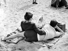PAPERS + LAYERS  faintquiverings: Untitled, photographed bt Ruth Orkin, c.1950
