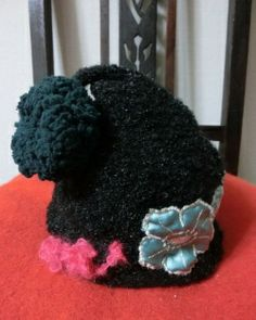 """"""" VERDOR KNIT CAP """"  presented by our gallery """"NIKI TÖ ISABELLA"""""""