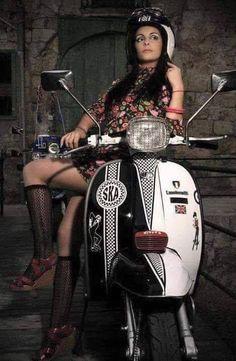 All things Lambretta & Vespa Piaggio Scooter, Scooter Motorcycle, Motorcycle Girls, Vespa 125, Motor Scooters, Vespa Scooters, Lady Biker, Biker Girl, Motos Vespa