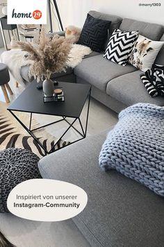 Studio Apartment Decorating, Apartment Interior, Living Room Interior, Home Living Room, Living Room Inspiration, Home Decor Inspiration, Table Decor Living Room, Grey Room, Home Room Design