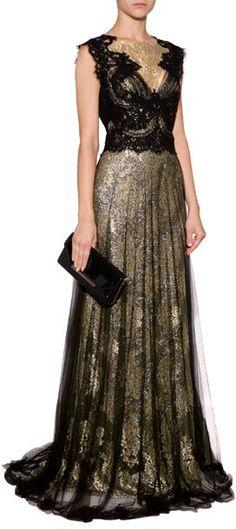 Digno de una princesa este vestido de Marchesa es perfecto para la madrina de boda