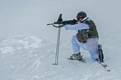 Belgian Soldiers from 12/13 Light Infantry Battalion during winter warfare training in the Austrian Alps – 2nd to 13th February 2015.