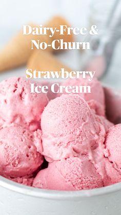 Homemade Strawberry Ice Cream, Fruit Ice Cream, Ice Cream Desserts, Frozen Desserts, Frozen Treats, Homemade Healthy Ice Cream, Healthy Strawberry Recipes, Banana Ice Cream Healthy, Strawberry Frozen Yogurt