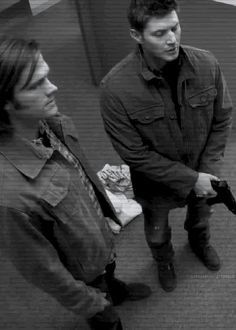 Dean and Sam Winchester - Supernatural gif Sammy Supernatural, Supernatural Series, Supernatural Bunker, Supernatural Quotes, Sherlock Quotes, Sherlock John, Sherlock Holmes, Winchester Boys, Supernatural Fandom