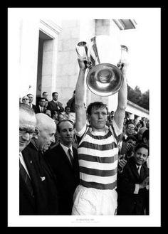 Billy McNeill 1967 European Cup Final Celtic FC Classic Framed Photo Memorabilia , http://www.amazon.co.uk/dp/B002SX60P6/ref=cm_sw_r_pi_dp_dSUfrb1EV9N9Z