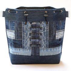 S patinou v zrcadle II / Zboží prodejce Nielia Sacs Tote Bags, Denim Tote Bags, Denim Purse, Denim Bags From Jeans, Jeans Recycling, Blue Jean Purses, Denim Ideas, Denim Crafts, Recycled Denim