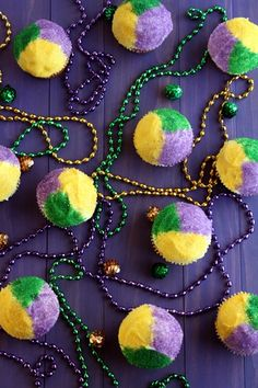 Happy Mardi Gras Cupcakes