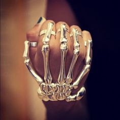 Skeleton rings. Thats crazy