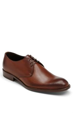 Free shipping and returns on To Boot New York 'Winston' Oxford at Nordstrom.com. Smooth leather accentuates the sleek cut of a plain-toe oxford set on a stacked sole.