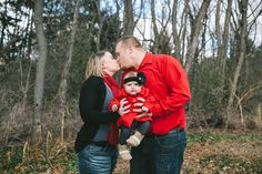 an indoor/outdoor Christmas card family session with little Miss Scarlett – Janesville family photography » a Sunshine Moment