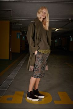 21 Pre-Fall 2014 - Runway Photos - Fashion Week - Runway, Fashion Shows and Collections - Vogue Fashion Week, Fashion Show, Fashion Looks, Runway Fashion, Winter Trends, Streetwear, Jumper, Trend Council, Lookbook