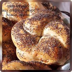 pain torsadé aux graines de sésames