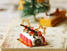 Christmas Log Cake Dollhouse Miniature Food