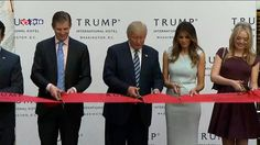 Of hij de verkiezingen nu wint of niet, Donald Trump heeft nu al zijn eigen stek in Washington DC. Hij heeft er daarnet zijn nieuwste luxehotel geopend, het 15e al. Het hotel heeft 260 luxekamers, op slechts een kilometer van het Witte Huis.