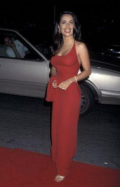 Red Fashion, Red Carpet Fashion, Fashion Outfits, Celebrity Red Carpet Dresses, Best Red Carpet Dresses, Salma Hayek Style, Salma Hayek Body, Style Année 90, Slick Hairstyles