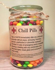 Having a bad day? Take a chill pill! This fun Chill Pill jar (candy not included… Having a bad day? Take a chill pill! This fun Chill Pill jar (candy not included) makes a perfect gift for anyone who appreciates a little humor: - Navidad Diy, Diy Weihnachten, Creative Gifts, Creative Gift Baskets, Craft Gifts, Friendaversary Gifts, Santa Gifts, Dit Gifts, Diy Gag Gifts