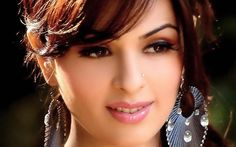 Download Free Actress Mobile Wallpapers For Cell Phones