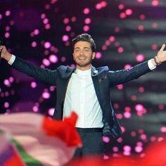 #Repost from @erngino with @ig_saveapp. Mi regali sempre emozioni uniche,indescrivibili,per me questa è già una vittoria. Ti voglio bene fratello mio!!!! Ed il meglio deve ancora venire...❤️❤️❤️ #eurovision2015