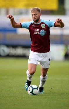 Jimmy Dunn Photos - Jimmy Dunn of Burnley during the Pre-Season Friendly between Macclesfield Town and Burnley at Moss Rose on July 2018 in Blackburn, England. Burnley Fc, The Beverly, Premier League, Running, Squad, Sports, England, Rose, Soccer