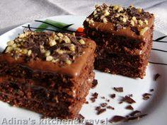 Adina's kitchen & travel: Prajitura cu ciocolata si nuca (Snickers) Romanian Desserts, Gordon Ramsay, Sweet Cakes, Food Art, Nutella, Sweet Treats, Cooking Recipes, Sweets, Baking