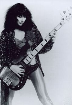 Kate Bush Female Singers, Female Guitarist, Hounds Of Love, Uk Singles Chart, Women Of Rock, Guitar Girl, Blues Rock, H Style, Record Producer