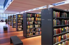 The 60-30 steel shelving system is well-known for the modularity of its design and the simplicity of its assembly.