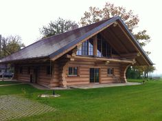 Log Cabin Living, Log Cabin Homes, Cottage Homes, Log Home Designs, Cool House Designs, Small Log Homes, Stone Cabin, Log Cabin Furniture, Cabin House Plans