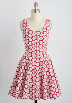 Smiling Style Dress - Red, White, Floral, Print, Casual, Sundress, A-line, Sleeveless, Spring, Good, Short, Woven