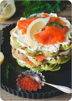 Waffeltorte mit Räucherlachs Party Buffet, Caprese Salad, Salmon Burgers, Tapas, Catering, Sushi, Barbecue, Bakery, Clean Eating