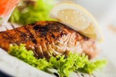 Ovnbagt laks - Laks er en skøn fisk. Selv folk der hævder ikke at kunne lide fisk, kan som regel lide fisk når der kommer laks på bordet. Laks har tilligemed sæson hele året. Desværre
