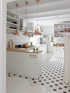 22 Beautiful Kitchen Flooring Ideas for Your New Kitchen - Discover our gallery of kitchen styles which will fit your design. Get motivated for your kitchen floor from our sensible rock and wooden flooring ideas. Kitchen Tiles, Kitchen Flooring, New Kitchen, Kitchen Dining, Kitchen Decor, Kitchen White, Copper Kitchen, Design Kitchen, Kitchen Island